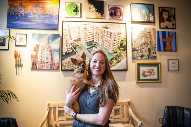 Trendy Homes: A spacious, chic Eraserhood loft
