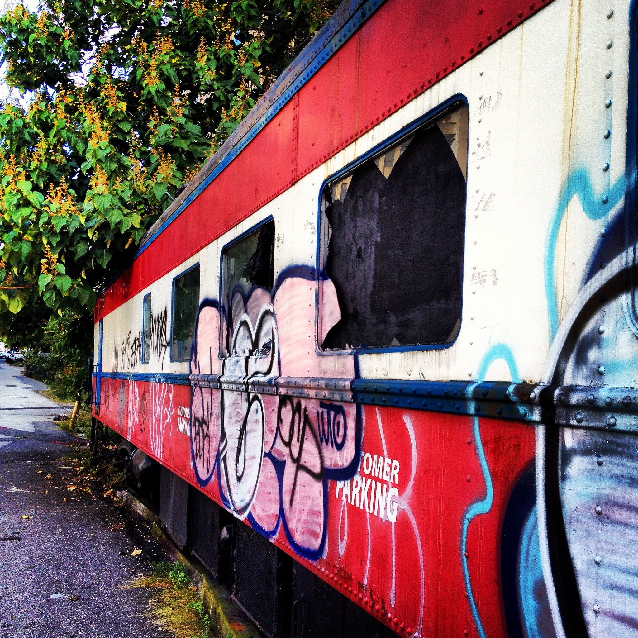 old train dining car at Broad and Noble Streets