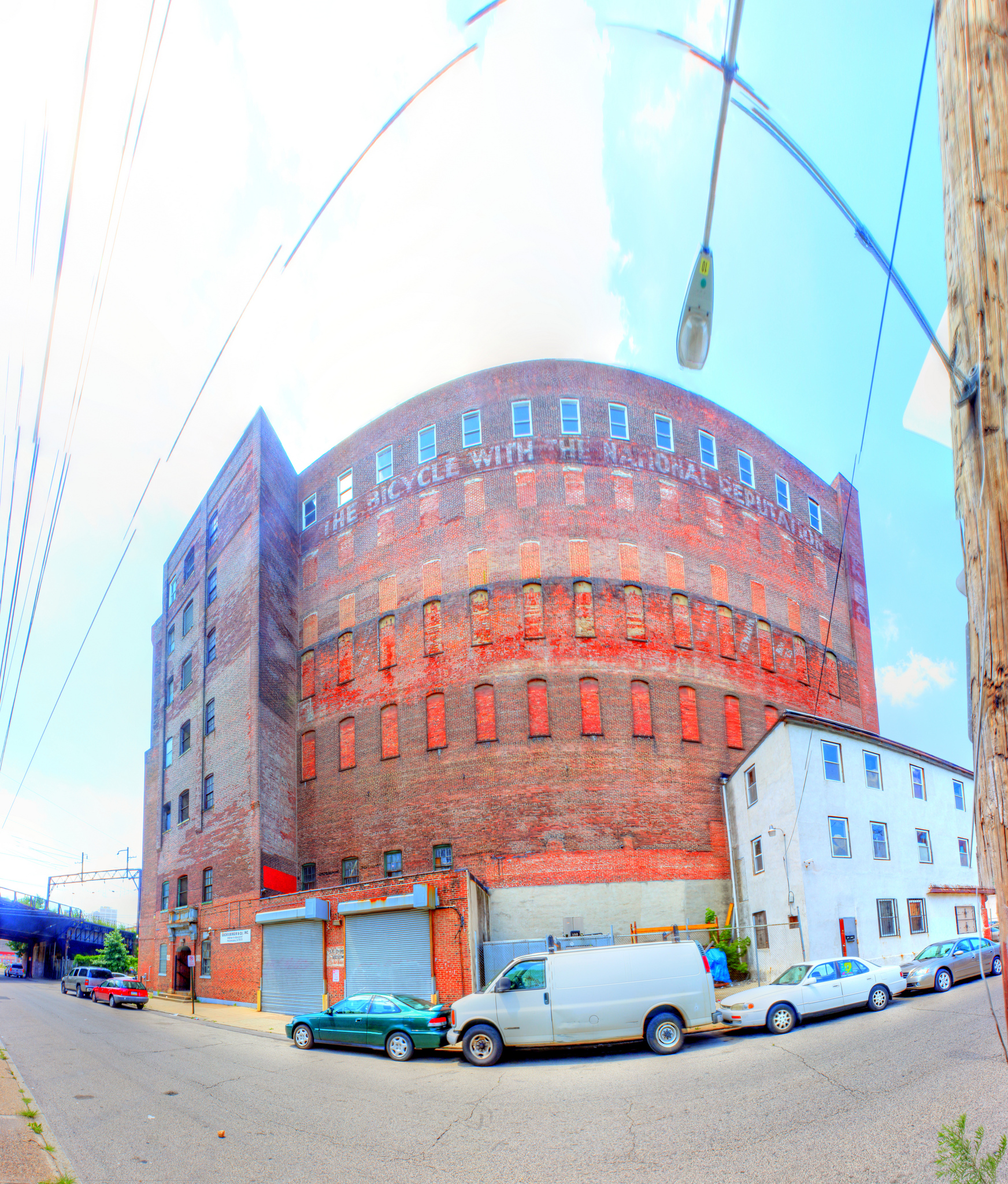 Panorama 2336_blended_fused_pregamma_1_fattal_alpha_1_beta_0.9_saturation_1_noiseredux_0_fftsolver_1 small