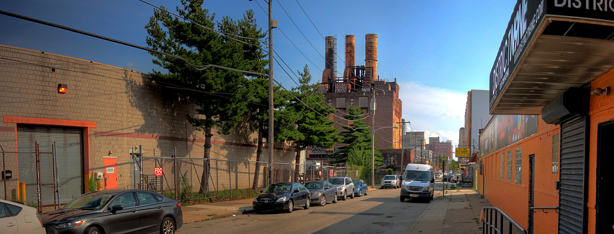 Willow Street Steam Plant View from 421 N 9th St Philadelphia, PA Copyright 2019, Bob Bruhin. All rights reserved.